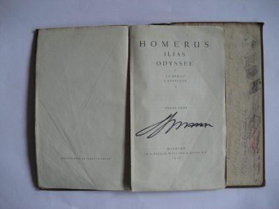 Waarschijnlijk de handtekening van de eerste eigenaar - gymnasiast.